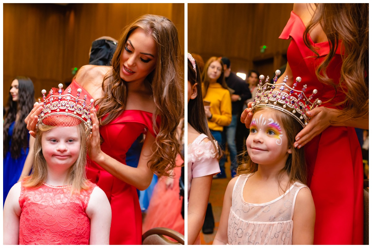 Примерить корону - большая честь для каждой принцессы