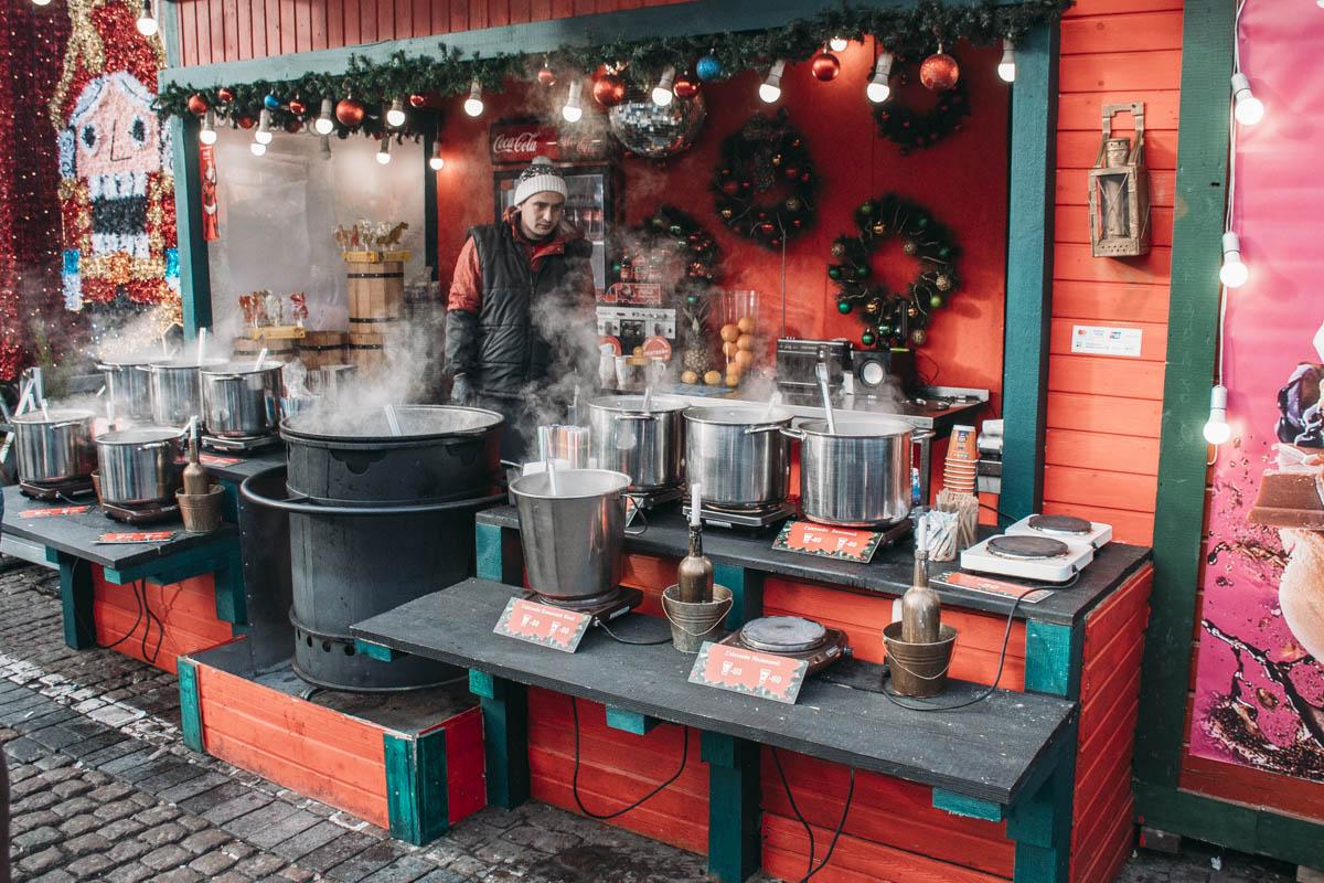 А это спонсор всех рождественских праздников - горячий глинтвейн