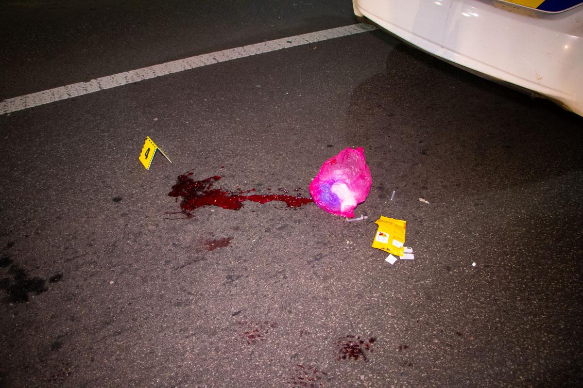В результате аварии пешехода протянуло на пару метров вперед, потом его сразу госпитализировали