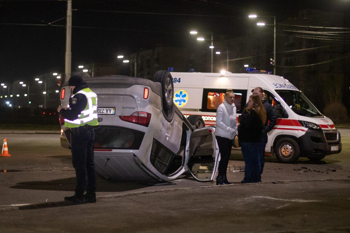 На Троещине столкнулись два автомобиля