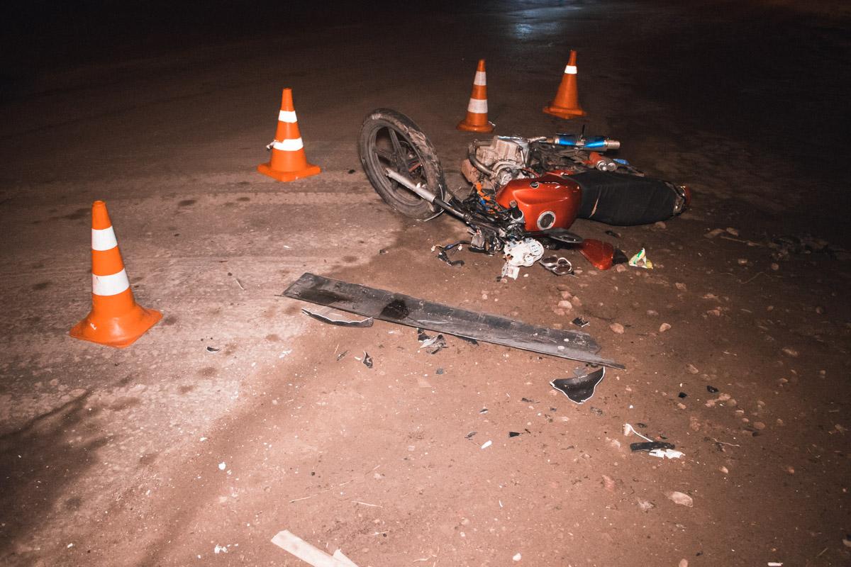19-летний пилот и 17-летний пассажир получили травмы