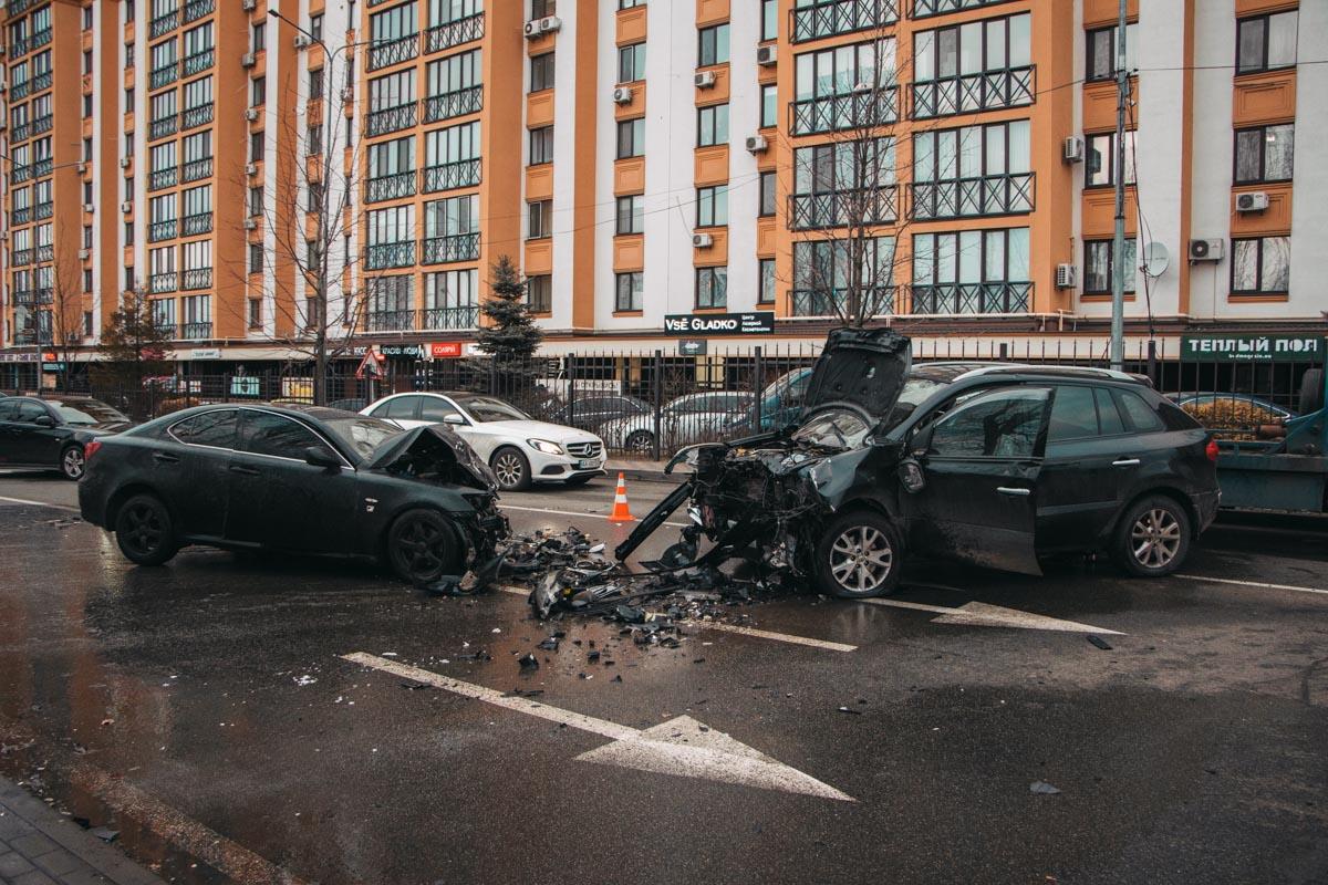 В результате ДТП пострадали трое