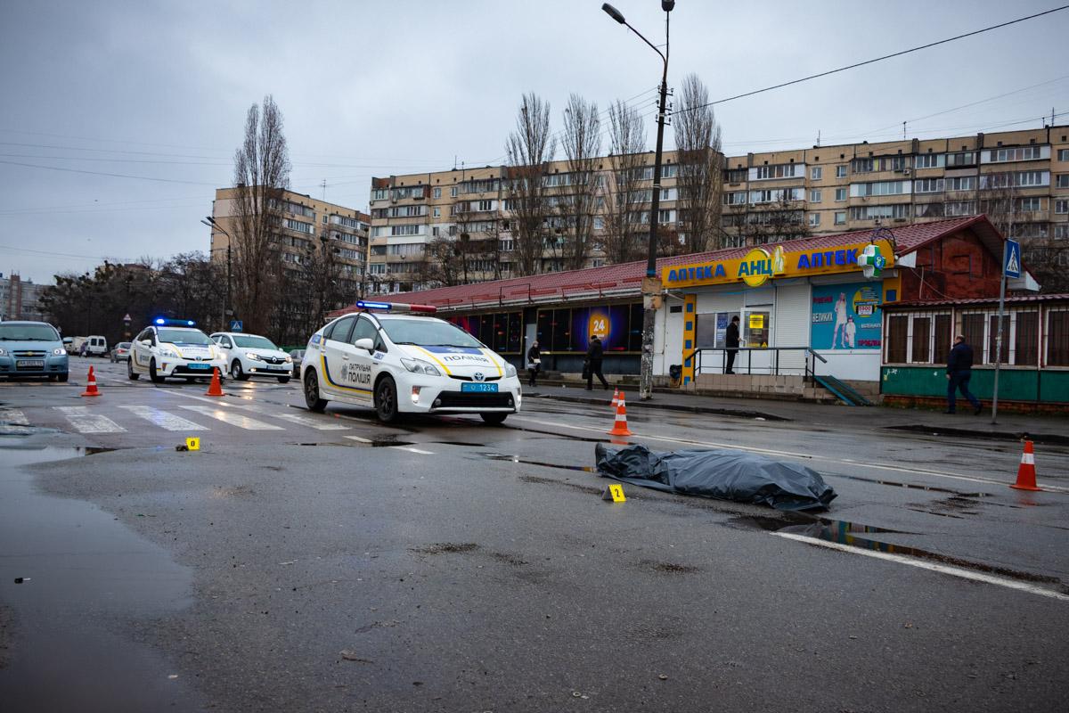 Утром на Борщаговке произошло смертельное ДТП