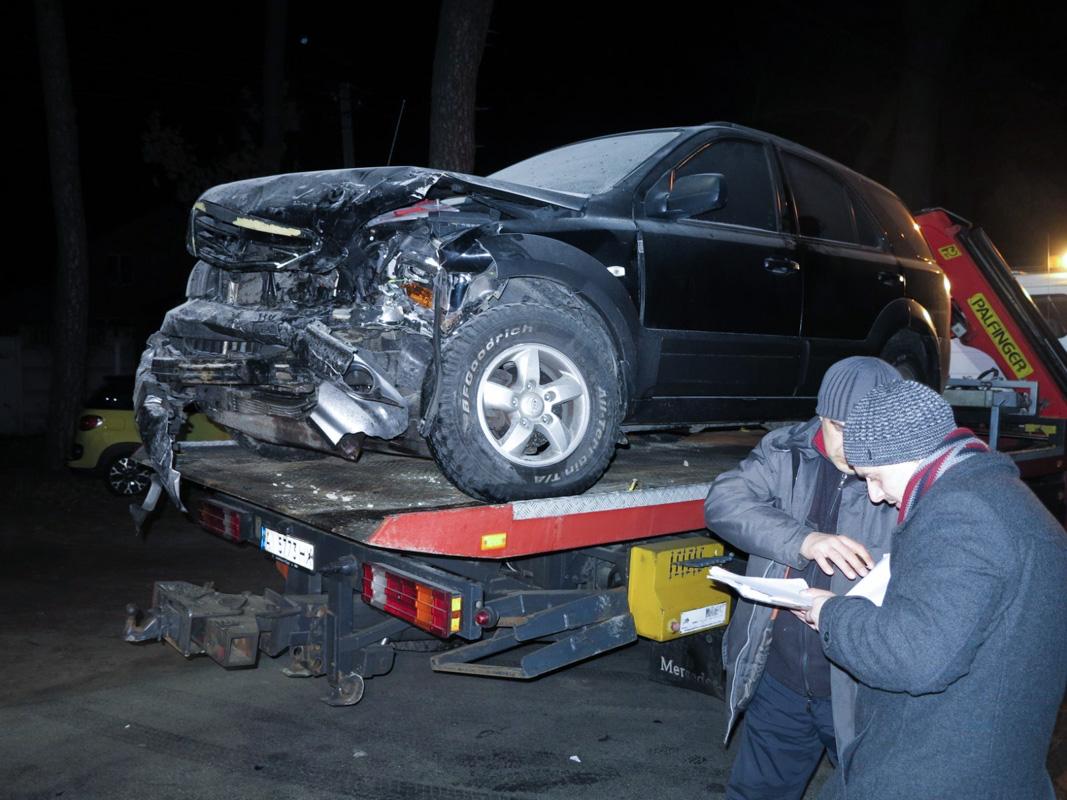 Под Киевом в городе Буча столкнулисьDacia Logan иKia Sorento