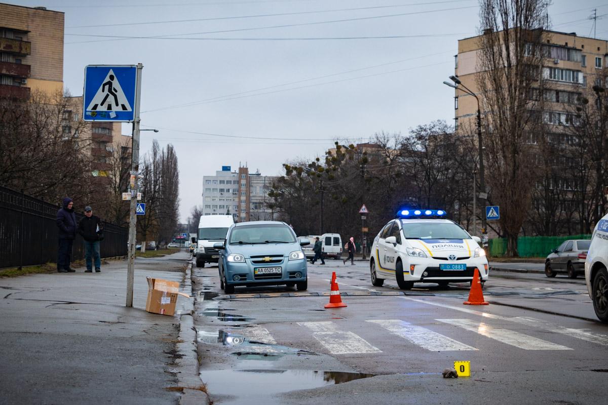 На месте аварии работают два экипажа патрульной полиции