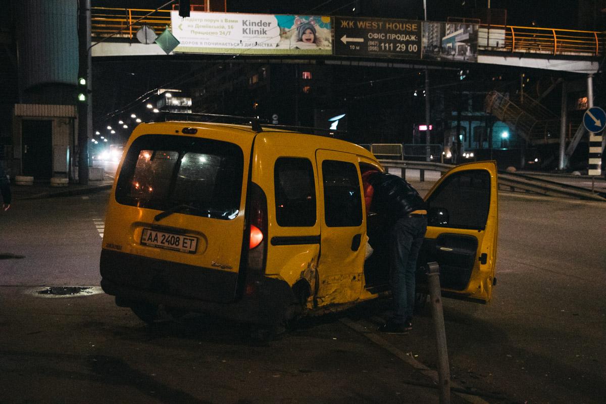 В Голосеевском районе Киева на перекрестке проспекта Валерия Лобановского и улицы Демеевской произошло ДТП
