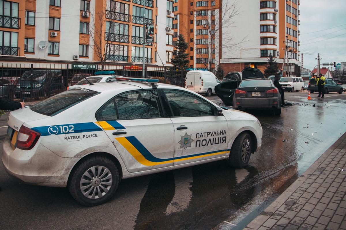 Полиция регулировала движение