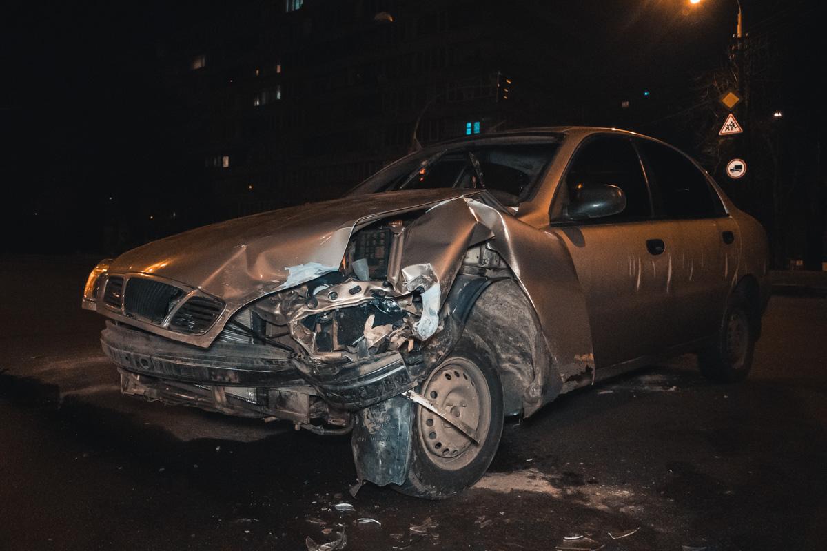 Водители обоих автомобилей имеют разные мнения насчет того, кто виноват