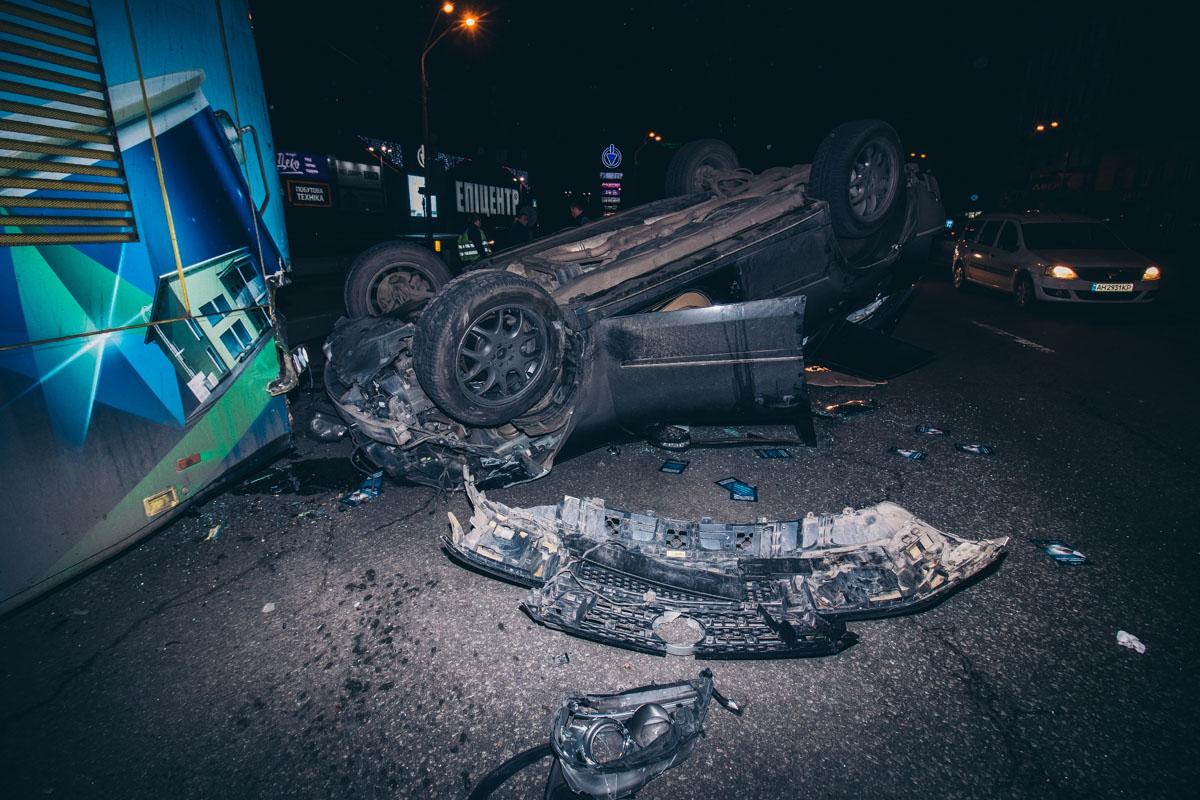 В результате пострадал водитель Mercedes