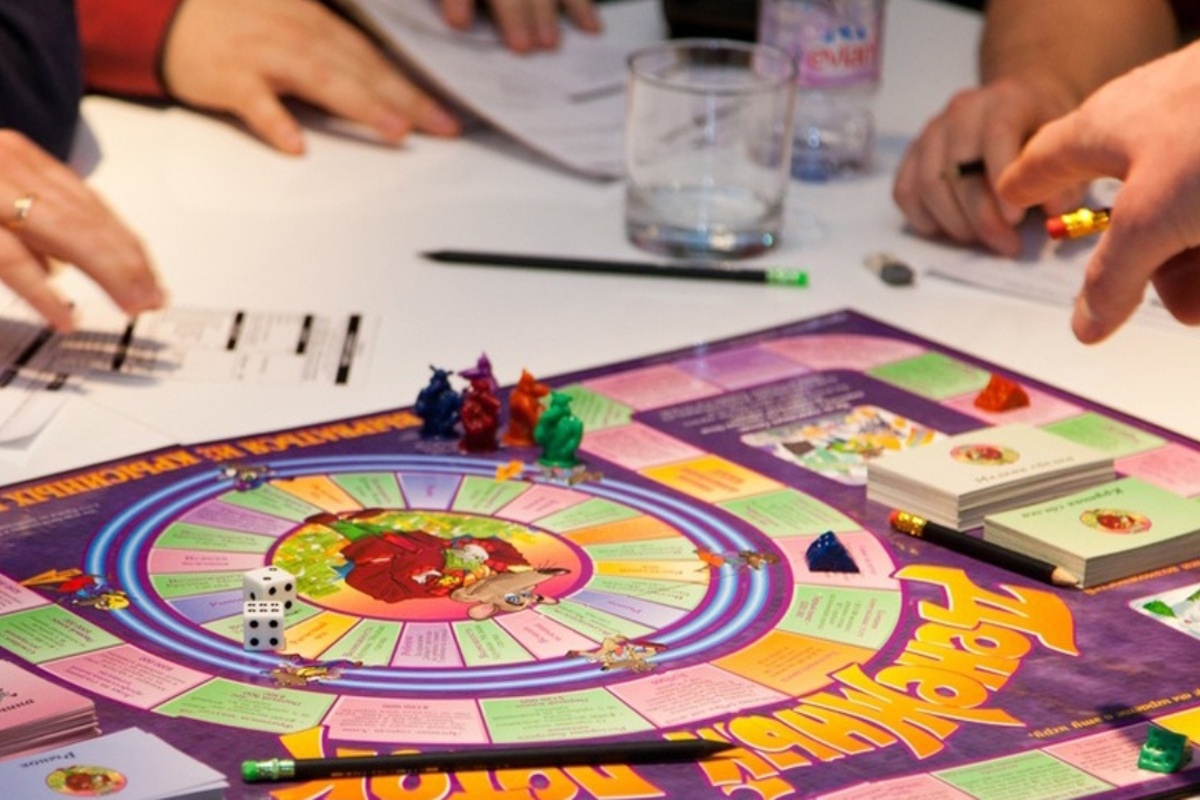 Денежные махинации бывают не только в жизни, но и в игре