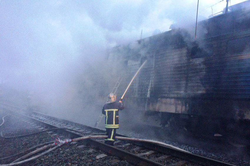 Под Черниговом загорелась пригородная электричка