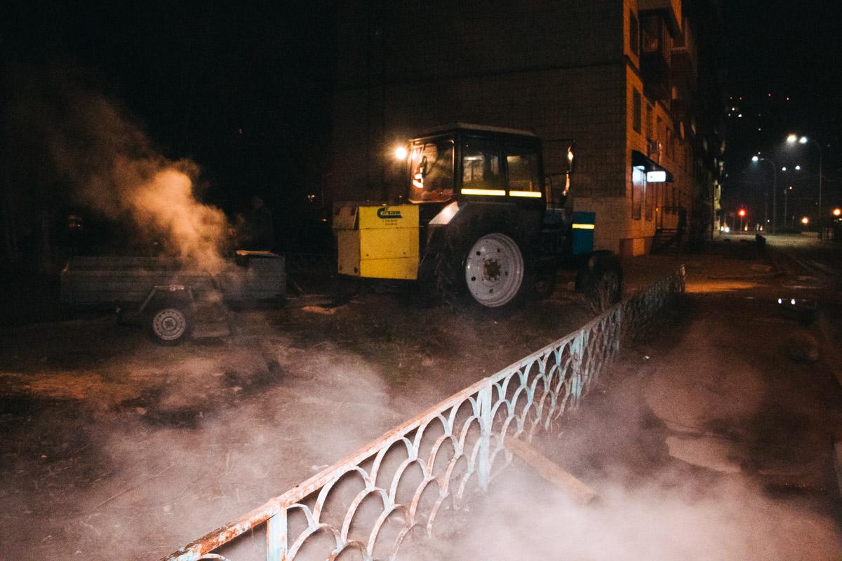 """На месте работали сотрудники """"Киевтеплоэнерго"""". Комментировать происшествие они отказались"""