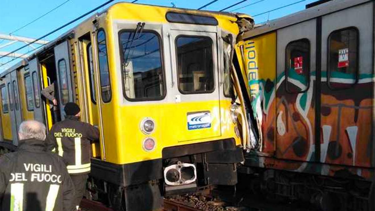 В Неаполе столкнулись три поезда метро