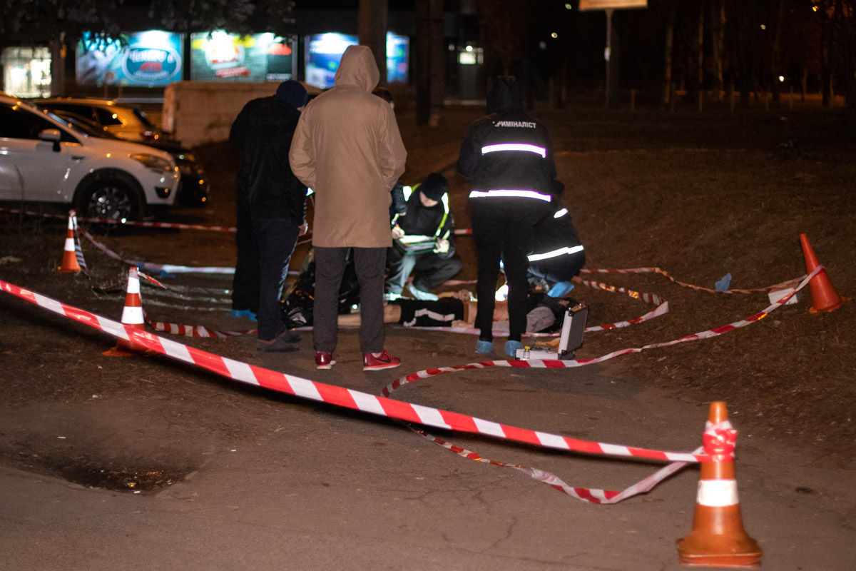 В Святошинском районе столицы на улице Владимира Покотило мужчину несколько раз ударили ножом