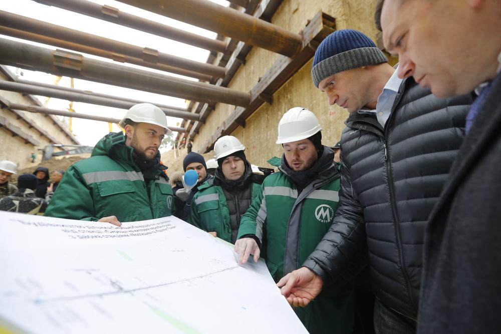 Виталий Кличко посетил с проверкой строительство метро на Виноградарь