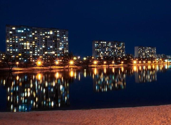 Огни ночного города. Фото: @zaets_ol