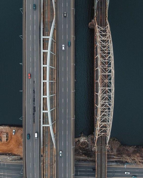 Я строю мысленно мосты, их измерения просты. Фото: @fantakr