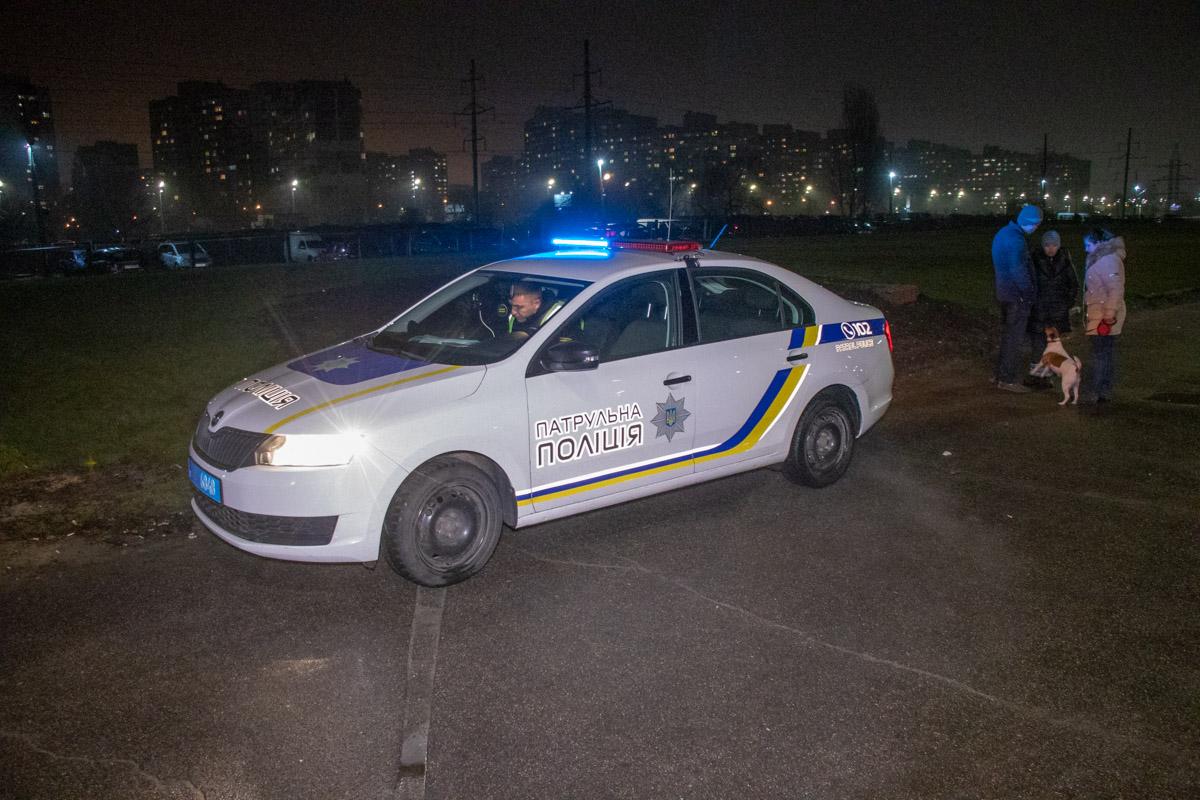 На месте работала патрульная полиция и медики