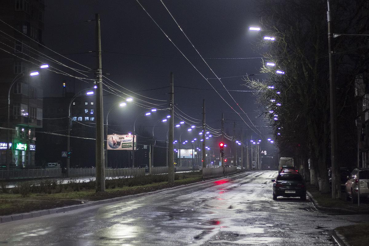 Улица заканчивается музеем авиации на улице Медовой
