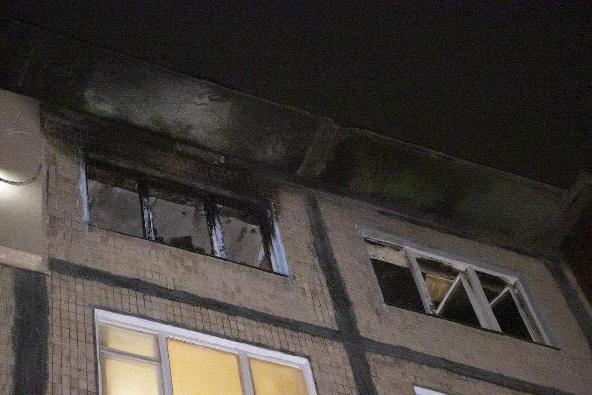 Пожар начался на 5 этаже дома
