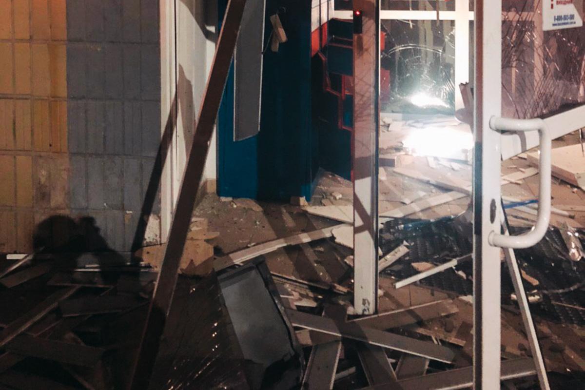 Эпицентром взрыва оказалось отделениеТаскомбанка