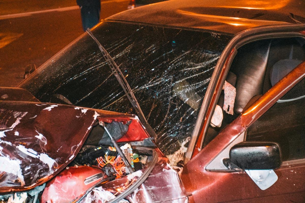 Один из очевидцев заявил, что за рулем BMW находился водитель в состоянии алкогольного или же наркотического опьянения