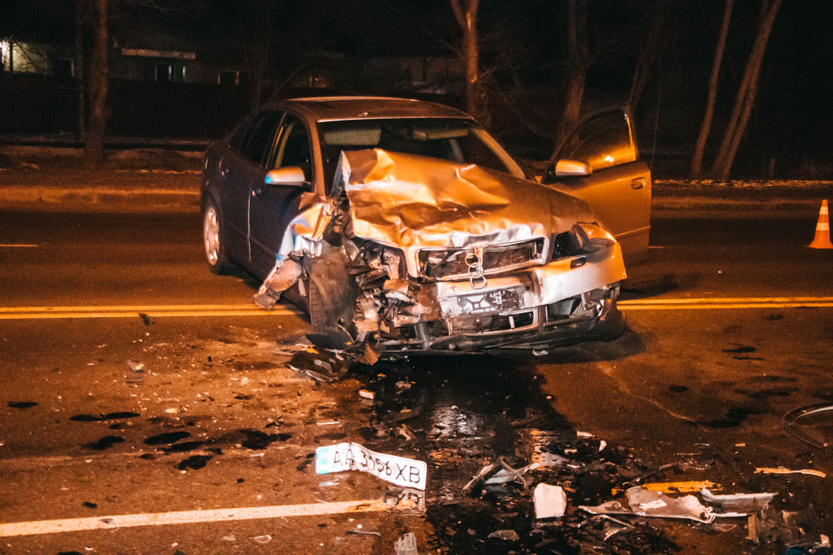 В ДТП пострадал водитель седана