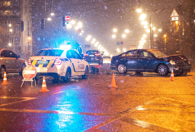 На перекрестке улиц Бойчука и Бастионной столкнулись Nissan и Toyota