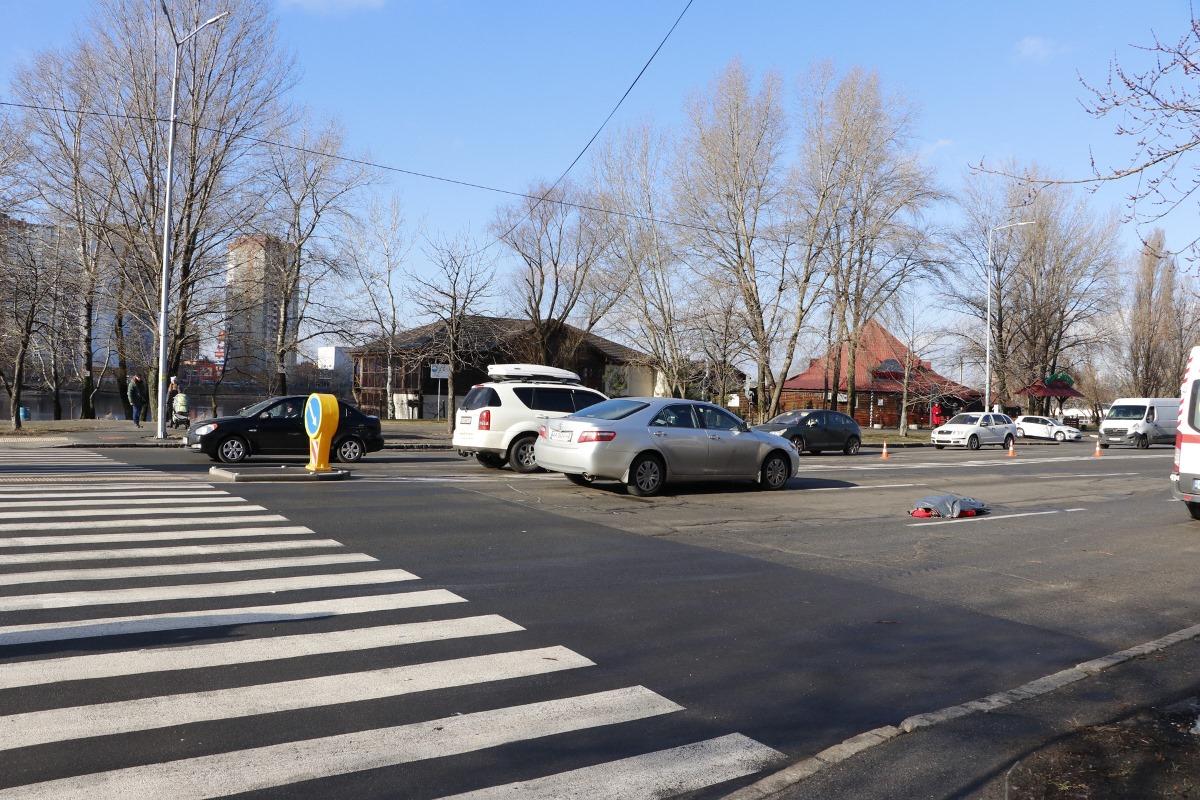 11 февраля в Киеве по адресу улица Ревуцкого, 9 произошло смертельное ДТП с участием пешехода