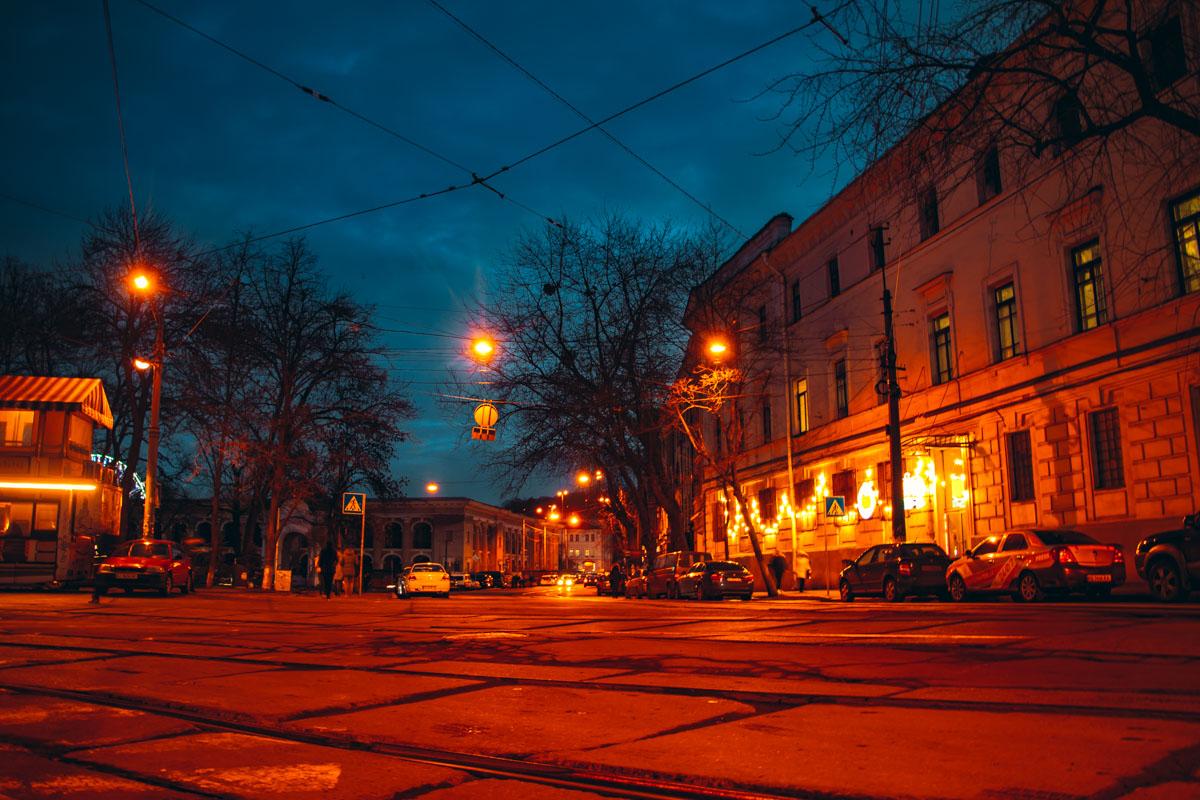 Контрактовая площадь в Киеве радует своими живописными видами как жителей, так и гостей столицы