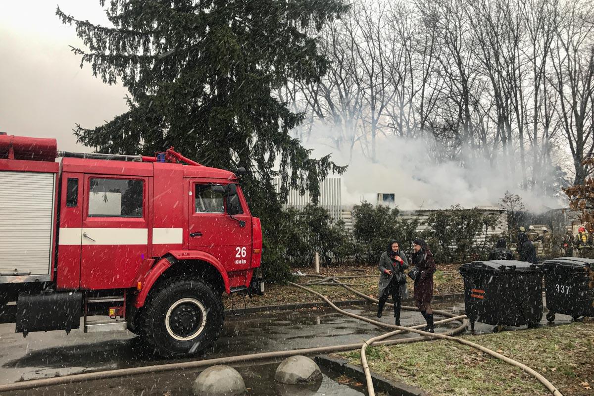 На территории ВДНГ загорелся ресторан HayLoft Ukrainian BBQ