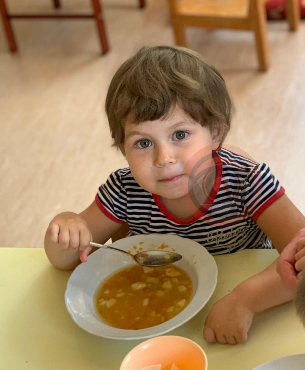 3-летнюю Анжелу забрали из детского дома
