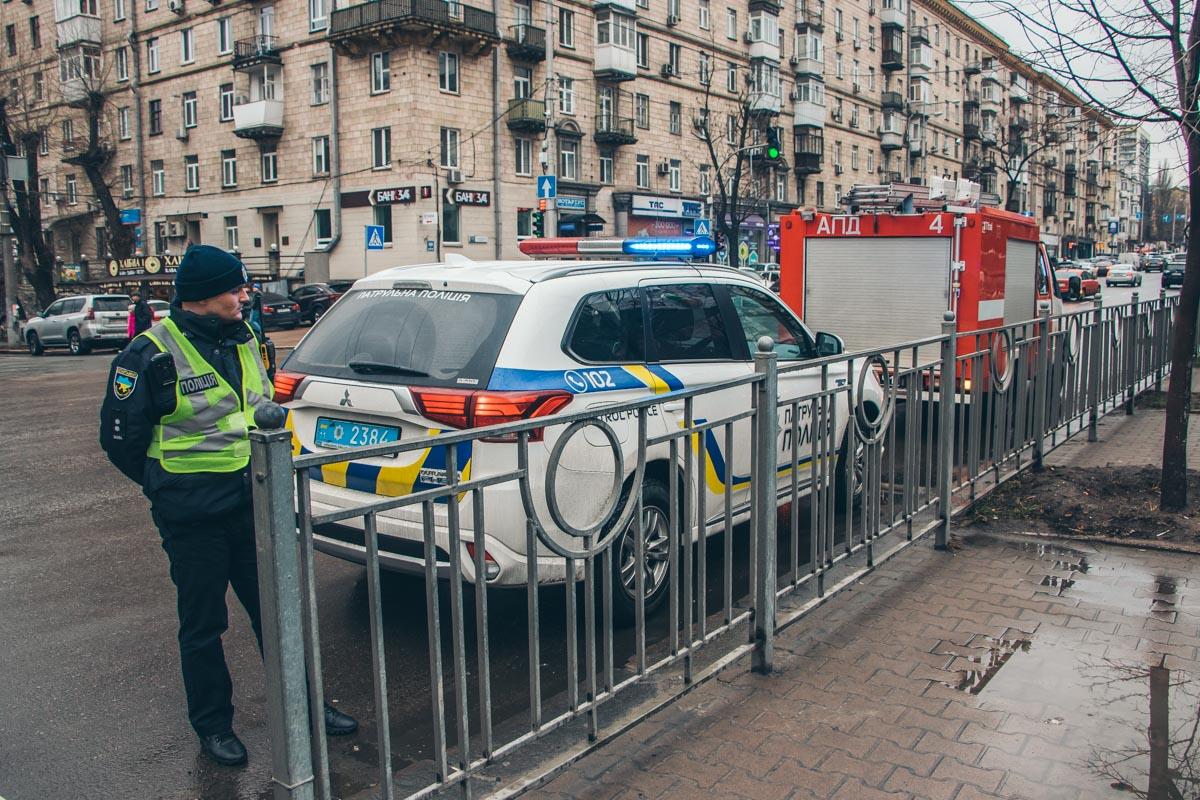 Те, кто не пропустил спасателей - встретились с полицией