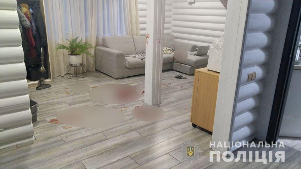Под Киевом 14-летний парень порезал тетю, 4-летнего брата и гонялся с топором за матерью