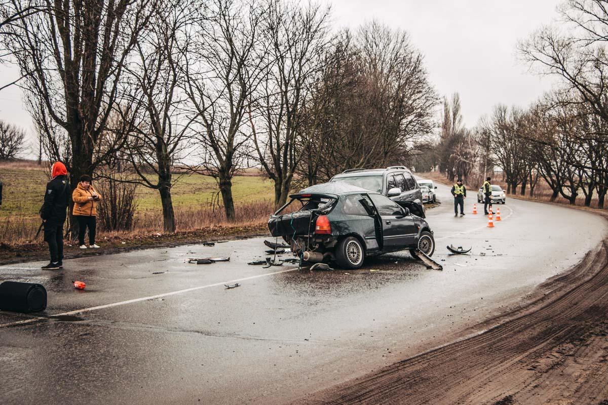 Пассажира Honda госпитализировали с переломом ноги и другими травмами разной тяжести