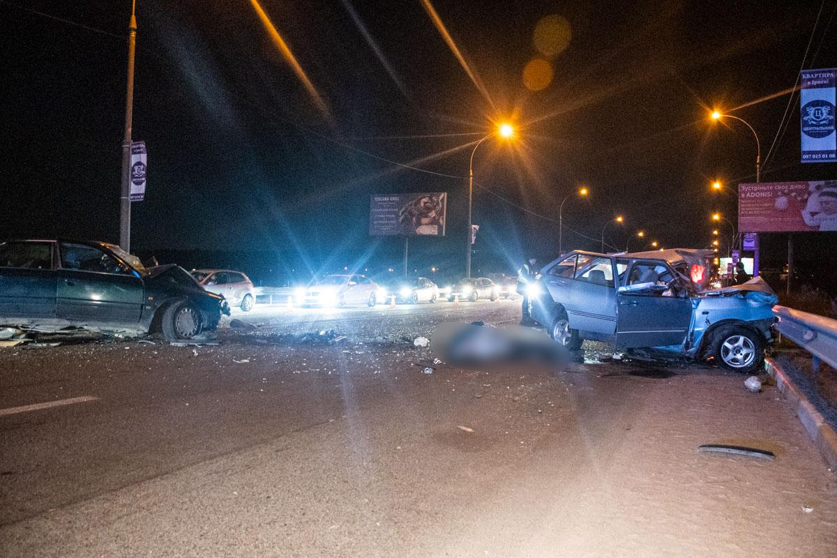 В результате аварии водитель Chery скончался на месте
