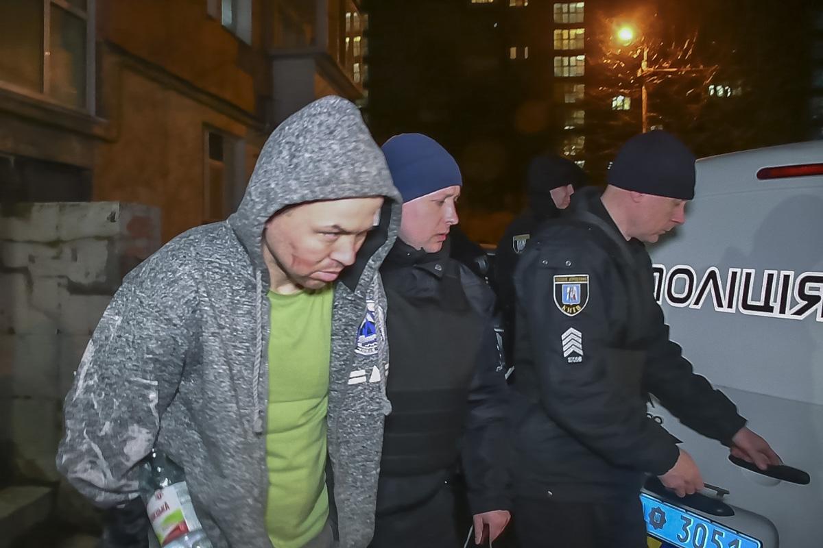 Жители дома ранее не видели задержанного