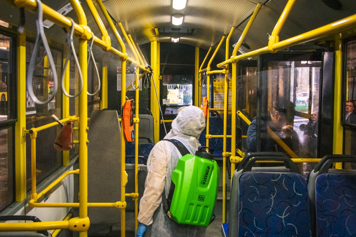 Вот так проходит дезинфекция общественного транспорта