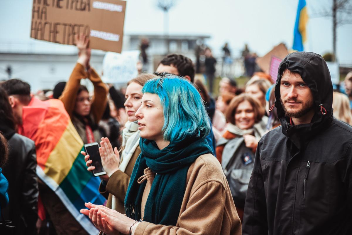 Марш женщин в лицах - это еще и марш равенства