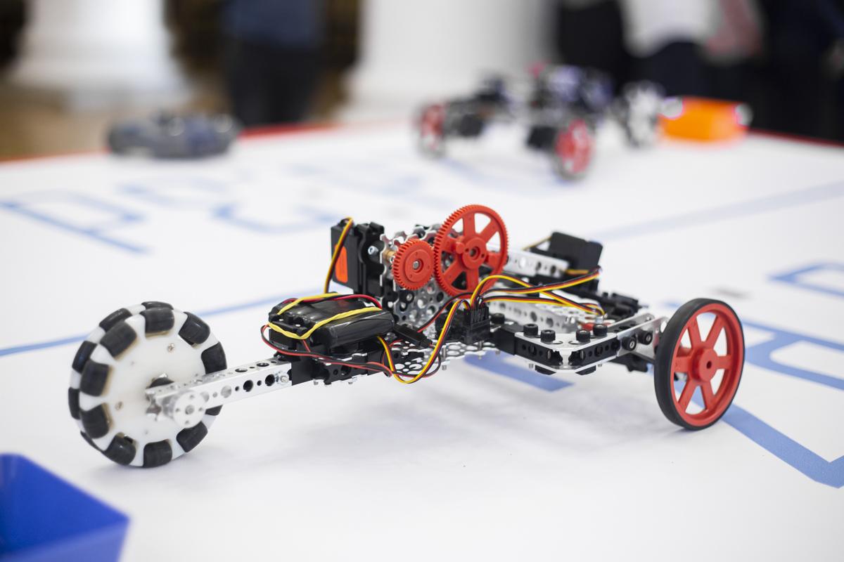 Теперь о роботехнике рассказывают даже в школах