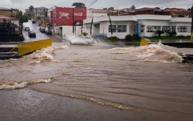 В результате сильных дождей в Бразилии погибли по меньшей мере 17 человек