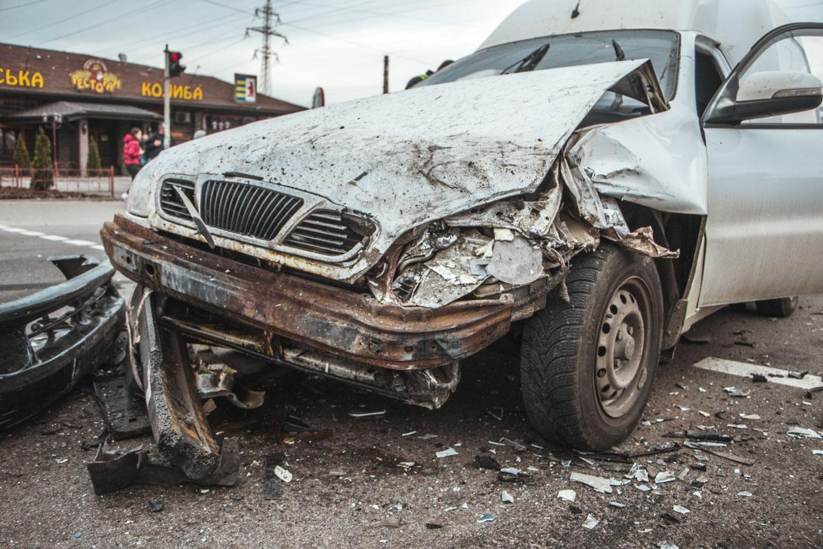 Очевидцы говорят, что водитель вел себя странно