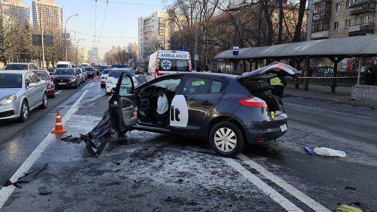 ДТП произошло в четверг, 26 марта, около 6:20 утра на Воздухофлотском проспекте