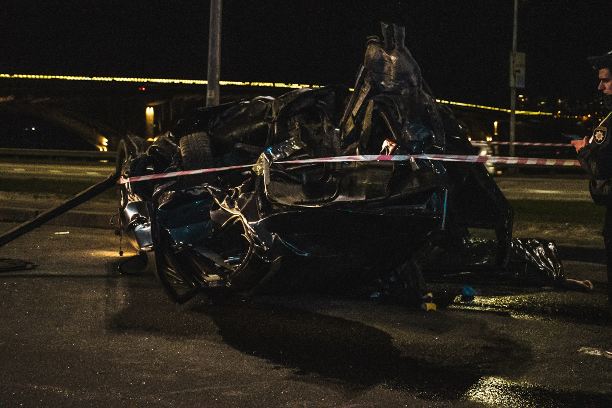 Водителя госпитализировали в критическом состоянии, а пассажир, к несчастью, скончался на месте