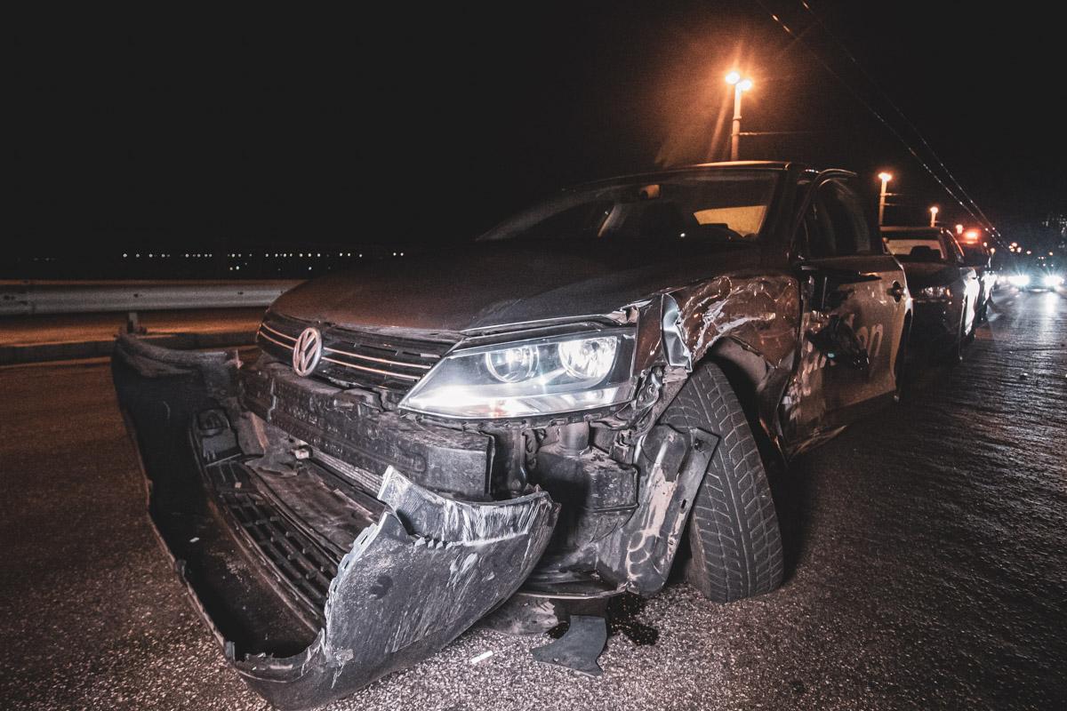 Между автомобилями произошло боковое столкновение