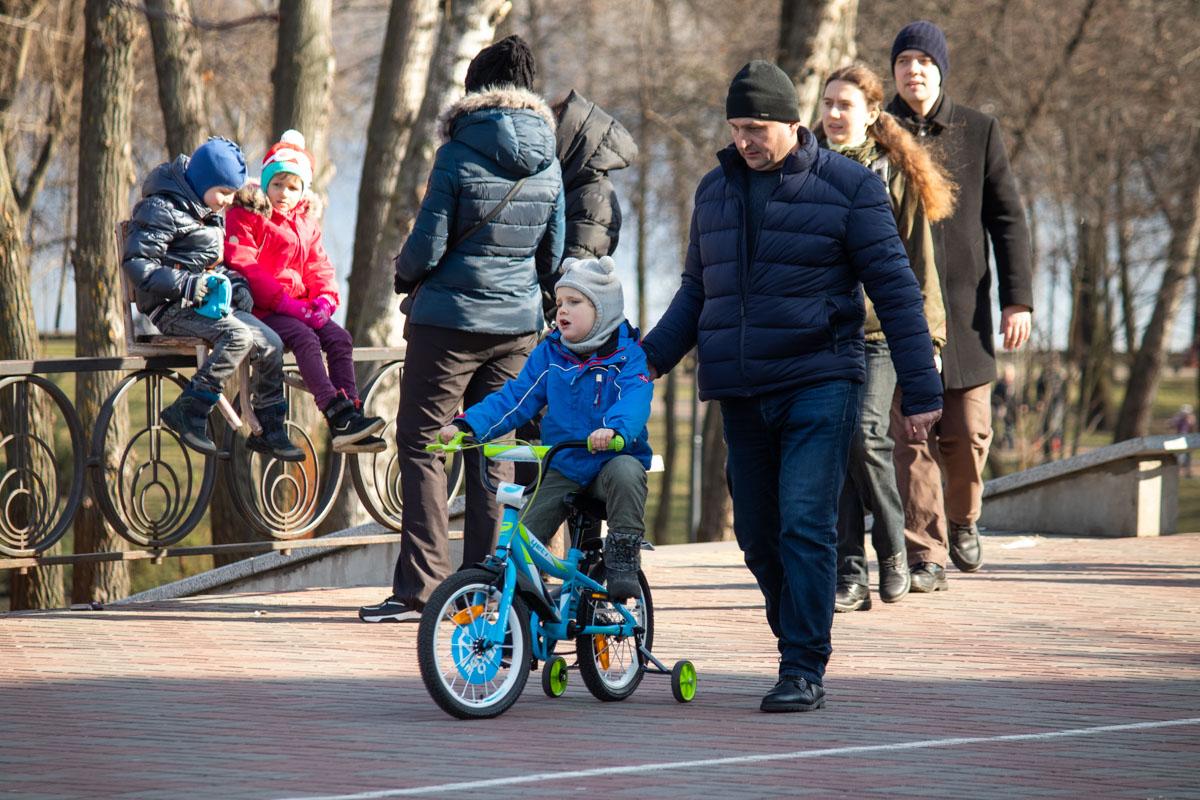 Весна - отличный повод провести время с ребенком в парке