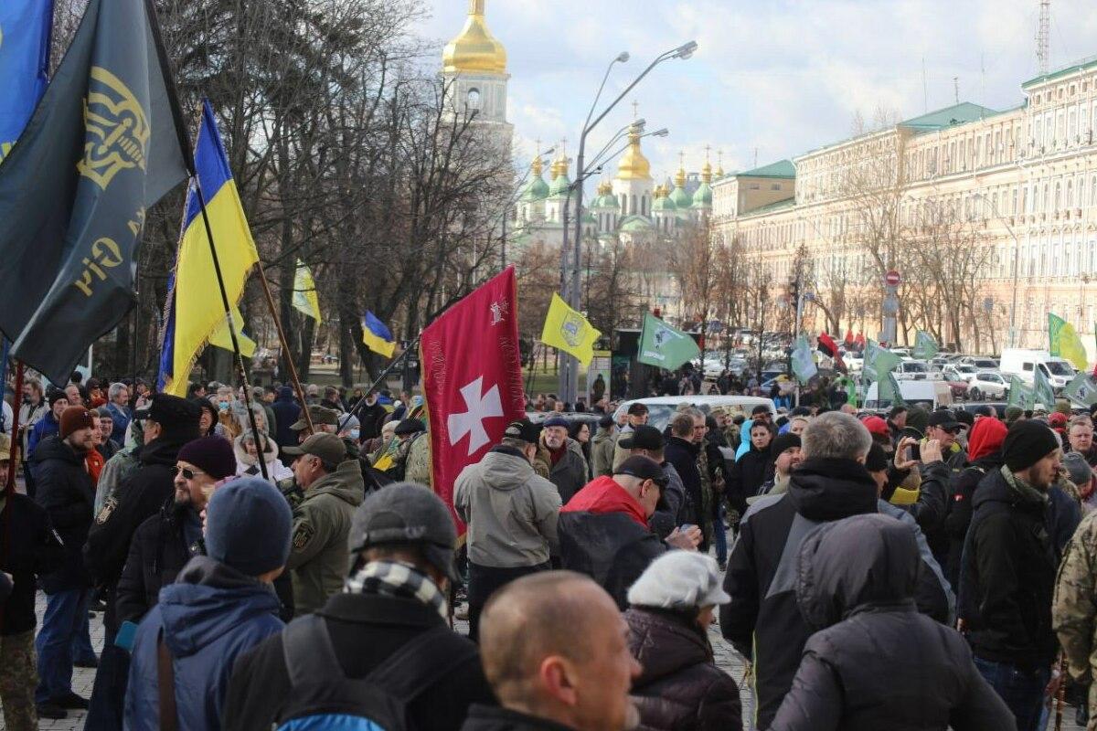 От Михайловской площади шествие направится к Офису Президента