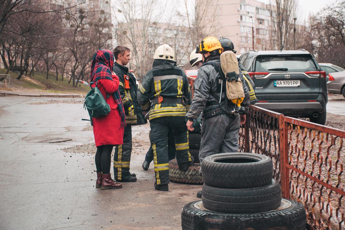 В 13:58 очаг возгорания локализовали, а уже в 14:05 пожар полностью ликвидировали