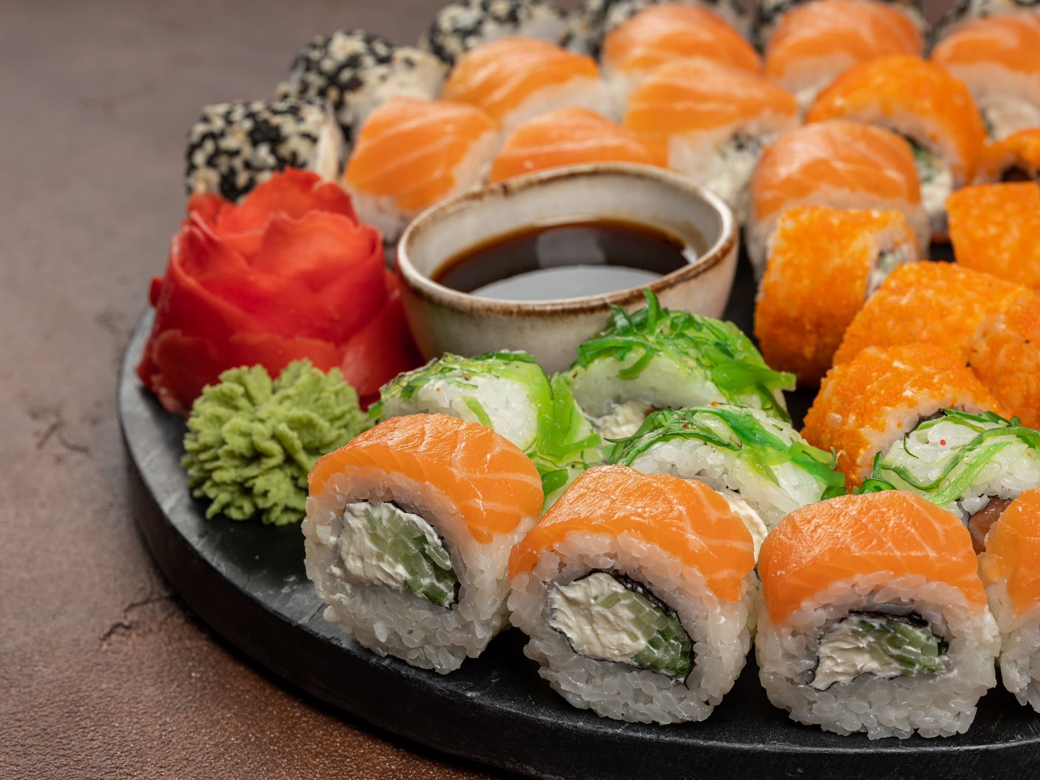 Заказываем доставку еды на дом. Заказываем еду на дом. Суши и пица надом - Это удобно и просто!