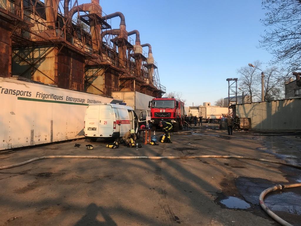 Пожар не могли локализовать долгое время из-за отсутствия гидрантов